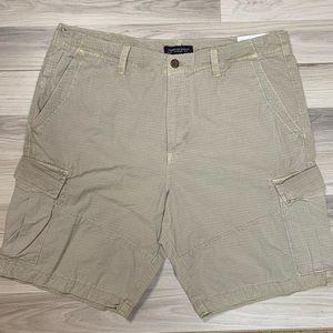 American Eagle Classic Khaki Cargo Shorts NWT